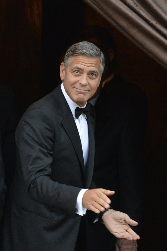 ce5ce5a575 Suknia ślubna żony Clooneya