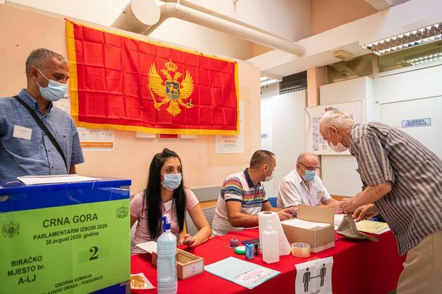 U Crnoj Gori su glasači u samoizolacji dolazili na birališta u posebnim terminima