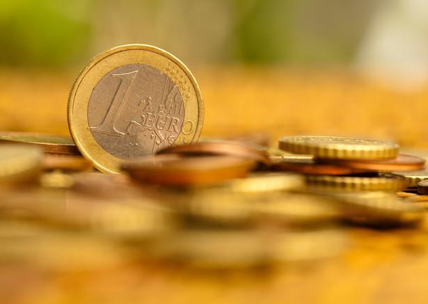 """"""" Wahanie waluty może niepokoić ludzi, lecz działa jako amortyzator, który zapobiega spadkowi PKB i wzrostowi bezrobocia"""""""