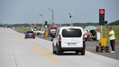 GITD testuje nowe fotoradary na lotnisku w Radomiu