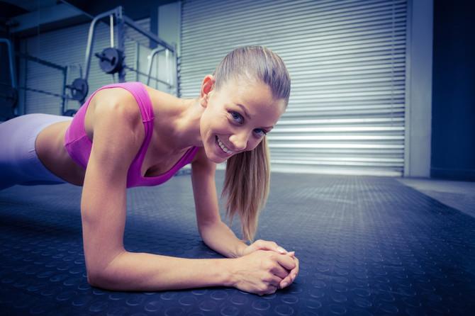Uz plank bol u leđima nestaje, a stomak postaje čvršći