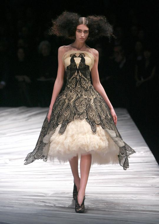Kolekcja marki Alexander McQueen na jesień-zimę 2008/2009
