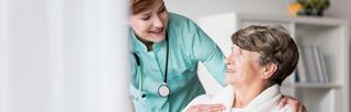 Nadzór nad opiekunkami jest z VAT