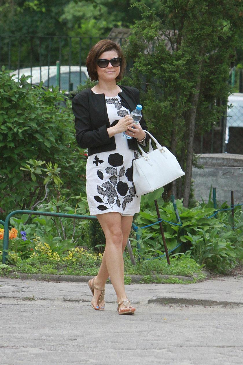 Kasia Cichopek w kwiecistej sukience