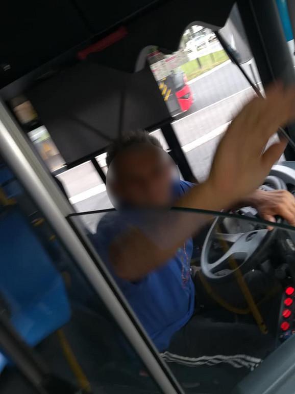 Vozač nije želeo da pomogne da se spusti rampa