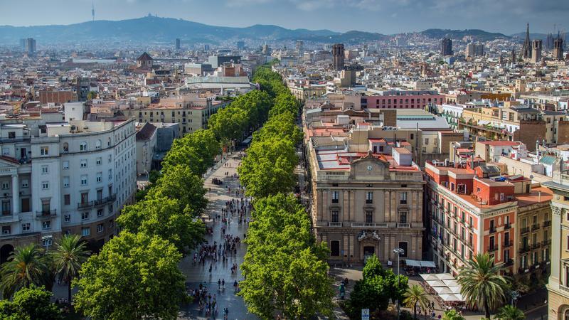 Dzielnica El Raval w Barcelonie, ulica La Rambla