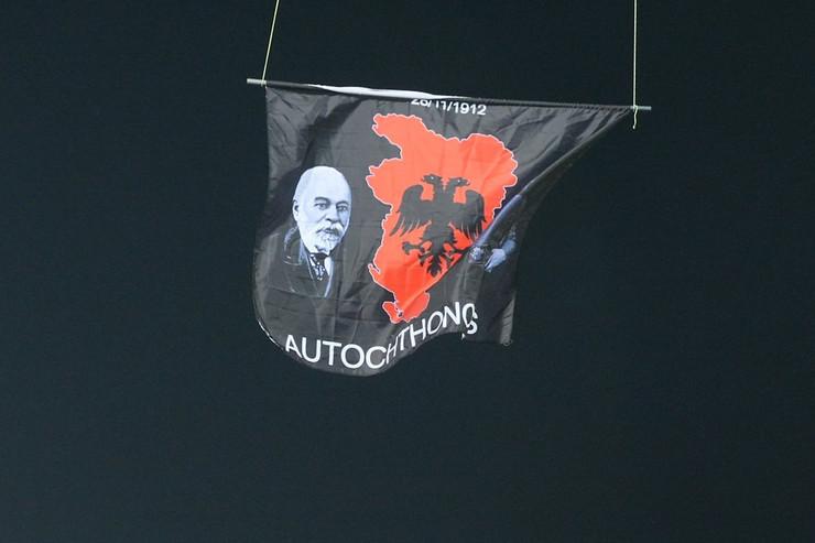 velika albanija02 zastava utakmica foto RAS Srbija M. Metlas