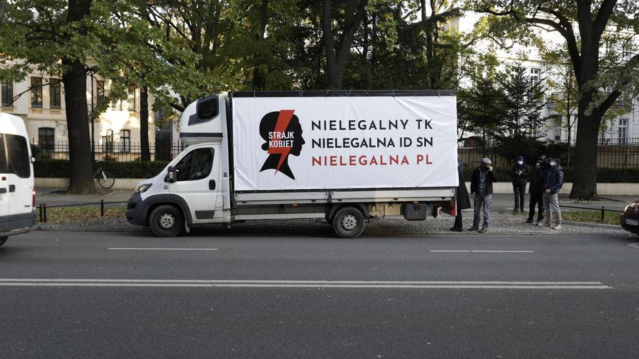 Protest samochodowy Ogólnopolskiego Strajku KoEabiet