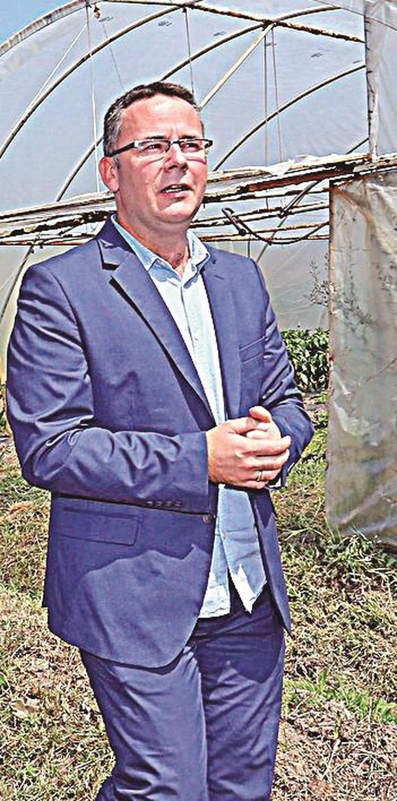 Direktor Dragan Filipović: Finski će od septembra učiti đaci upisani na smer veterinarski tehničar, a od sledeće godine ići će na praksu u Finsku