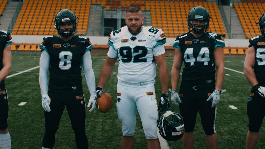 Marcin Trybura z drużyną futbolu amerykańskiego Panthers Wrocław
