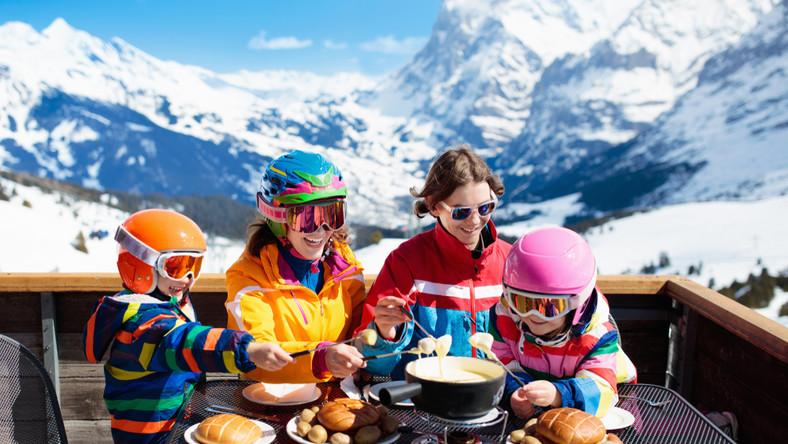 Obiad w przerwie jazdy na nartach