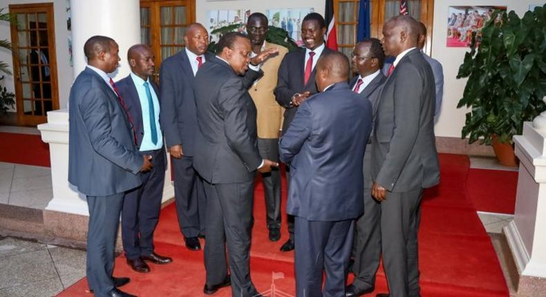 Uhuru holds private meeting with Rift Valley Governors