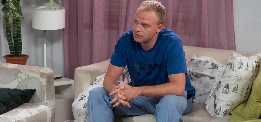 """""""Na Wspólnej"""" odcinek 3303. Siwy ucieknie ze szpitala. Czy Hoffer będzie miał kłopoty?"""