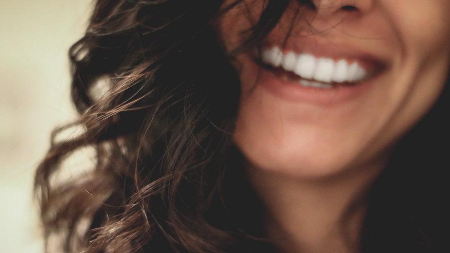 """15 sytuacji, w których nie powinnaś powiedzieć """"tak"""", jeśli chcesz być szczęśliwa / Photo by Lesly Juarez on Unsplash"""