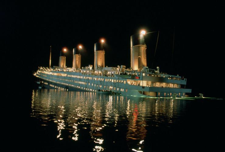 Potonuće Titanika u Kemeronovom filma