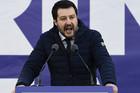 OPASNI KAPETAN EVROPSKE DESNICE Preti da okrene EU naglavačke i poručuje: Orban i ja VLADAĆEMO EVROPOM