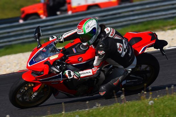 Honda CBR 1000RR Fireblade SP 2017 w akcji