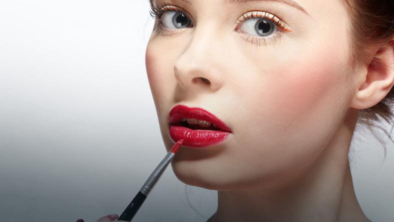 Najnowsze Makijażowe triki - PIĘKNE USTA - Uroda LP49
