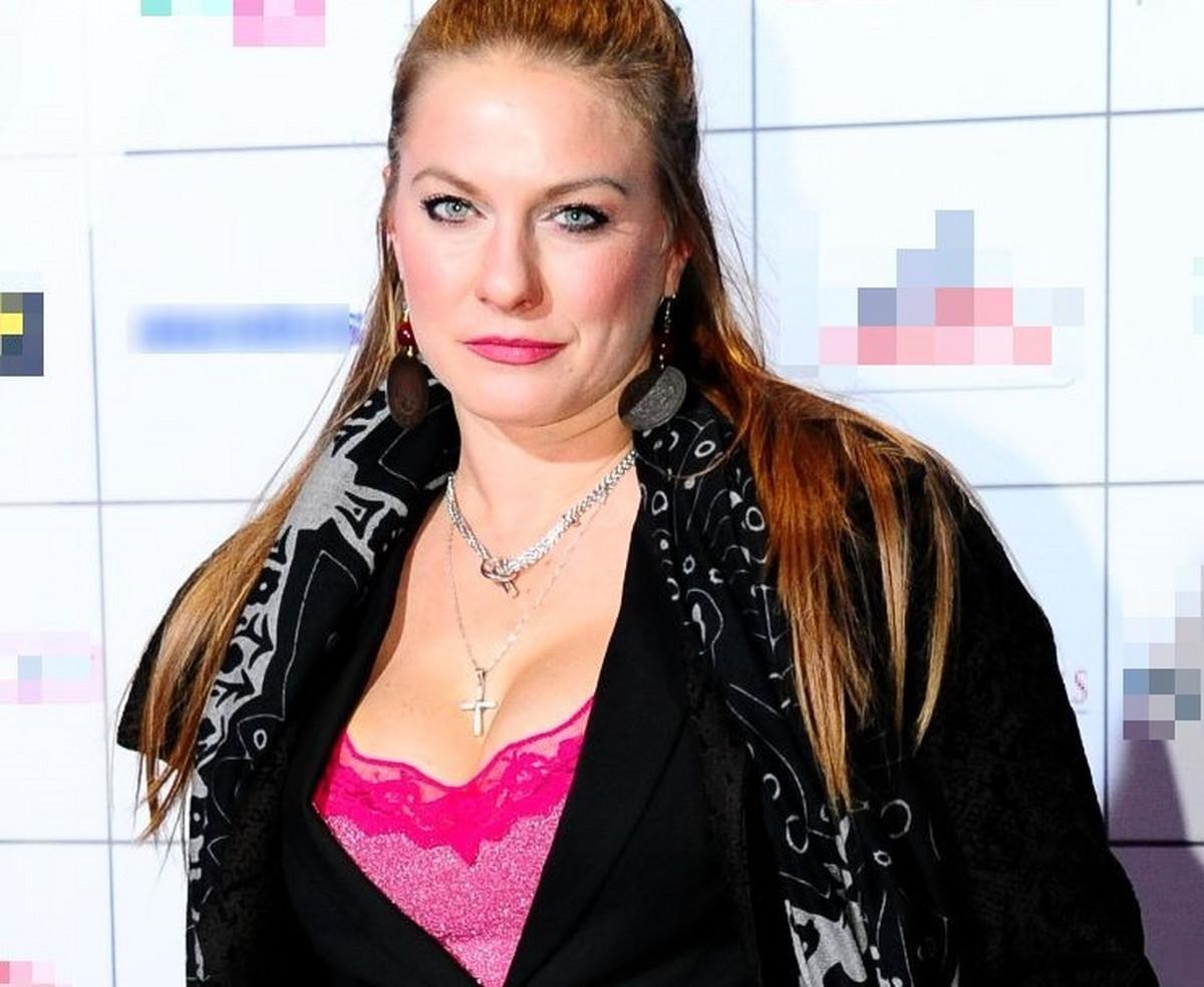 Ana Sakic srpska glumica i njen modni blam: gornji deo fotografije
