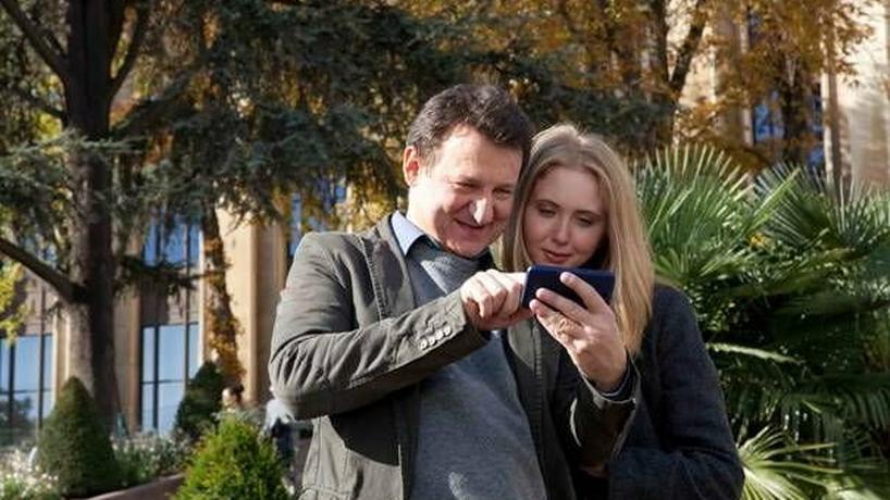 """Robert Więckiewicz i Justyna Wasilewska na planie filmu """"Noc w Paryżu"""""""