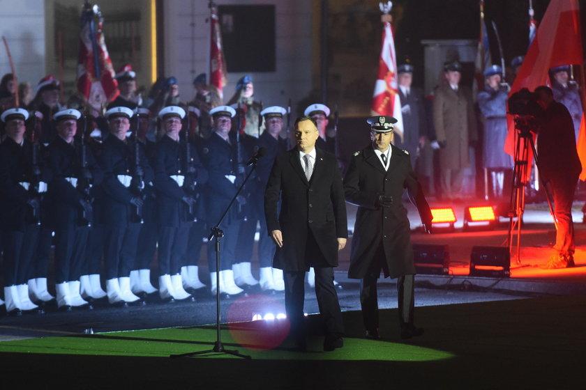 Święto Niepodległości. Odsłonięcie pomnika Lecha Kaczyńskiego
