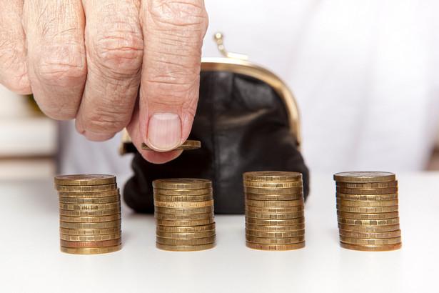 Rząd zdaje sobie sprawę, że zmiana przepisów ma wpływ na to, ile pieniędzy otrzymują seniorzy.
