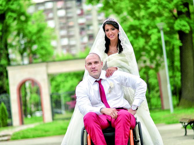 Robert i Nataša su se verili, a onda je on doživeo nesreću: Na svadbi su plakali svi sem nas dvoje