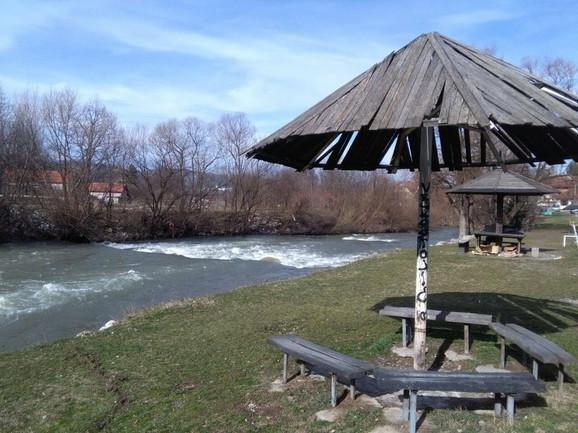 Mesto gde je dečak upao u reku Rzav