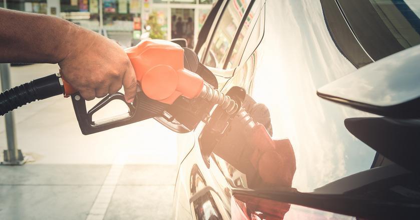 Ostatnie tygodnie przyniosły wzrost cen paliw. Analitycy widzą jednak szansę na jego zahamowanie, a nawet obniżkę