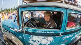 77-letnia Niemka Heidi Hetzer wyruszyła w podroż dookoła świata 84-letnim samochodem