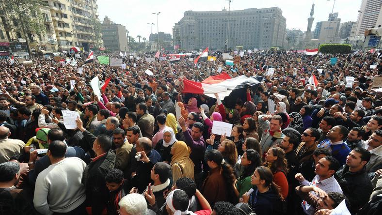 Demonstracje w KAirze, fot. PAP/EPA