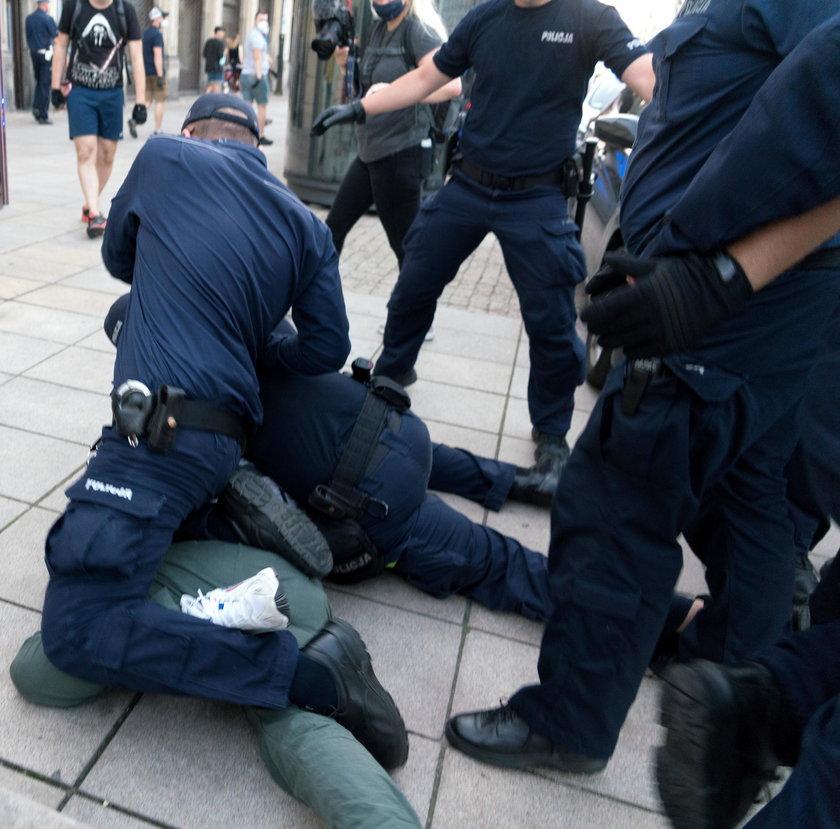 Warszawa: zatrzymani po zamieszkach ws LGBT byli torturowani?