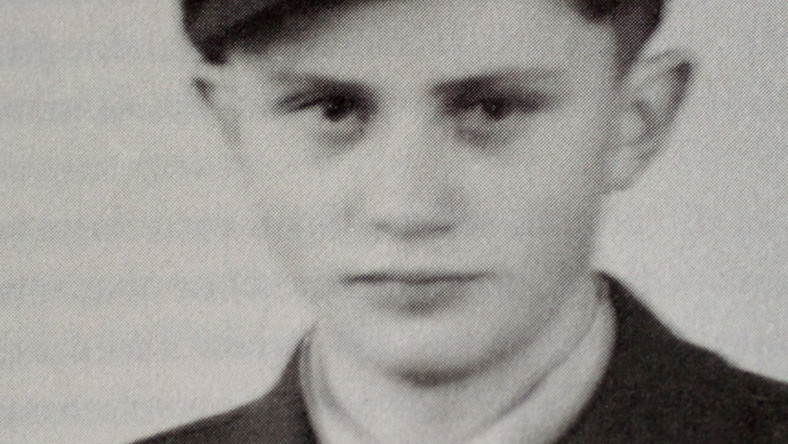16-letni Joseph Ratzinger w mundurze rekruta.