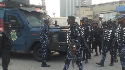 Police operatives deployed to Lagos Island ahead of planned #Occupylekkitollgate protest