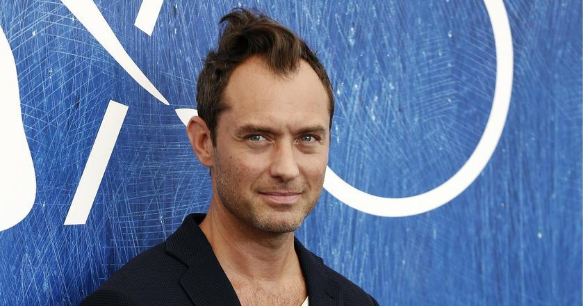 """Jude Law zagra w """"Fantastycznych zwierzętach"""" postać młodego Dumbledore'a"""