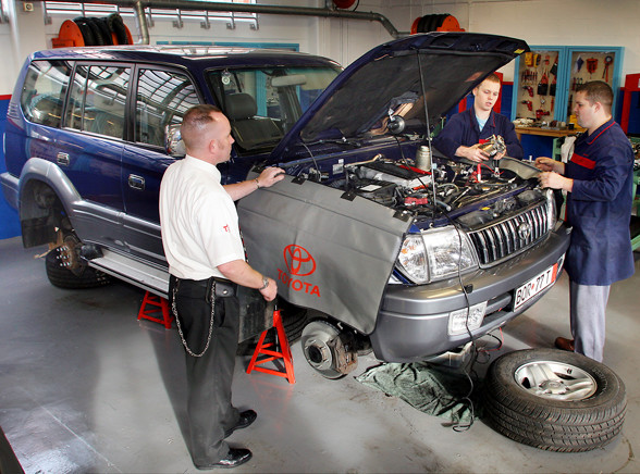 Zobacz, kto partaczy naprawianie samochodów