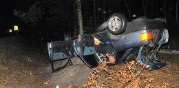 Auto roztrzaskało się o drzewo. Za kierownicą pijana 27-latka