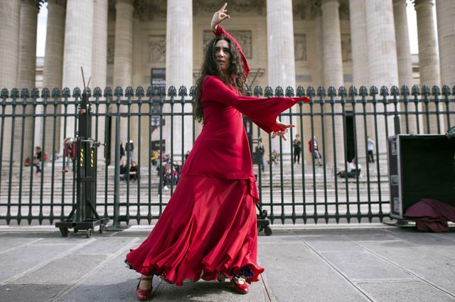 Sa romskog festivala ponosa koji je održan u Parizu