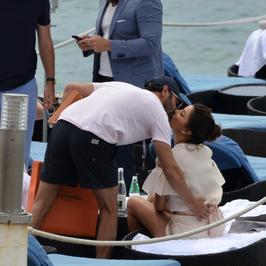 Eva Longoria z mężem w Cannes. Czułościom nie było końca