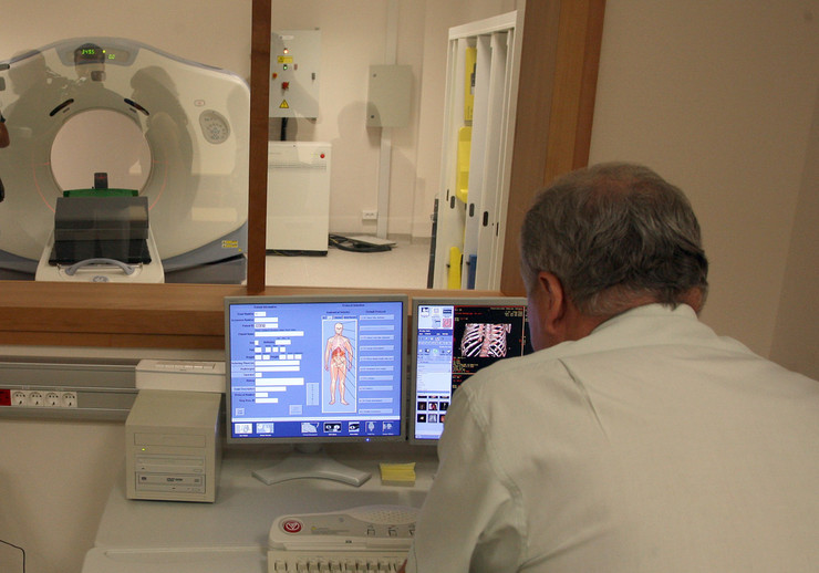 Magnetna rezonanca pregled pacijenti