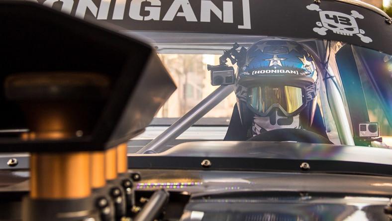 Poprzedzając premierę siódmej części słynnej serii Gymkhana, kierowca Monster Energy i Hoonigan Racing Division - Ken Block - zaprezentował na targach SEMA w Las Vegas auto, w którym pojedzie w swoim kolejnym filmie.