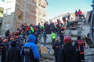 Turcja: Do 21 wzrosła liczba ofiar śmiertelnych trzęsienia ziemi