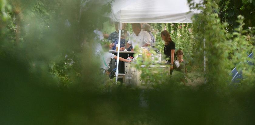 Impreza imieninowa Anny Komorowskiej w Budzie Ruskiej. Polało się piwo z kega. ZDJĘCIA