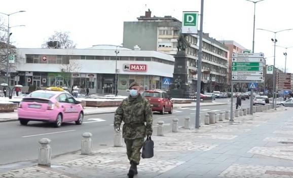 Malo ljudi na ulicama