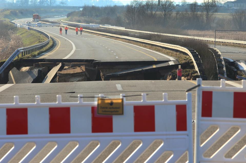 Uszkodzona autostrada A20