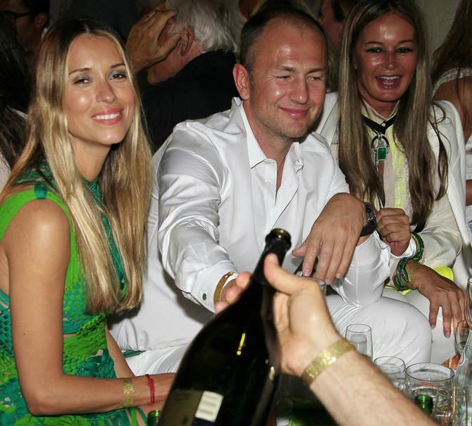 Sandra i Andrej Meljničenko 2012. u Italiji sa Evom Kavali, dugogodišnjom prijateljicom