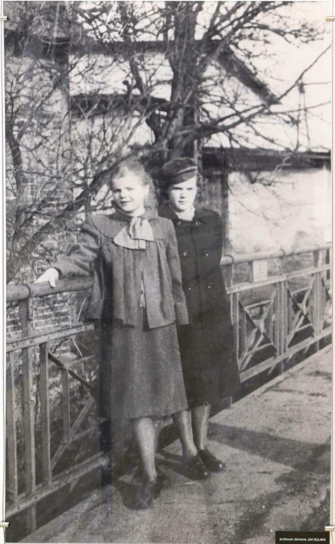 Z siostrą Wandą