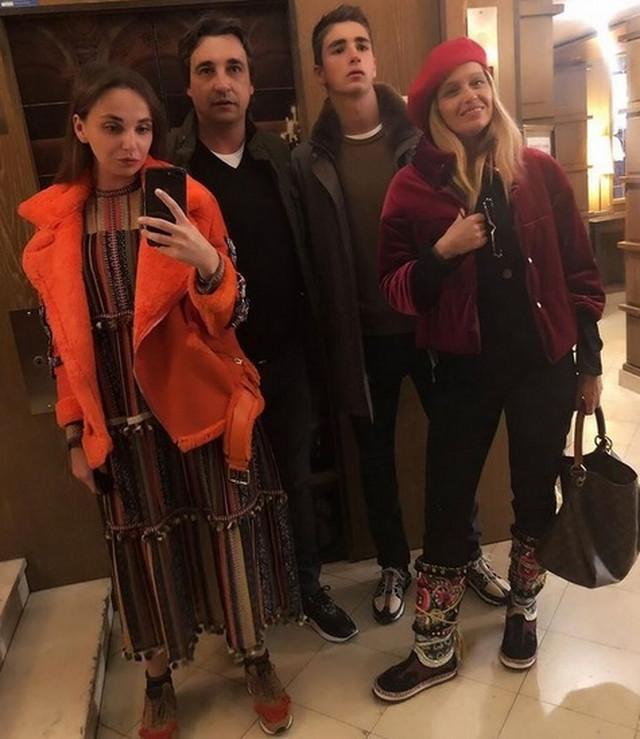 Porodica Njeguš na okupu