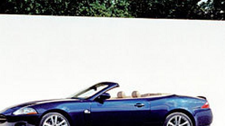 Jaguar XK8: mniejszy silnik 3,5 V8 (190 kW/258 KM) także dla kabrioletu