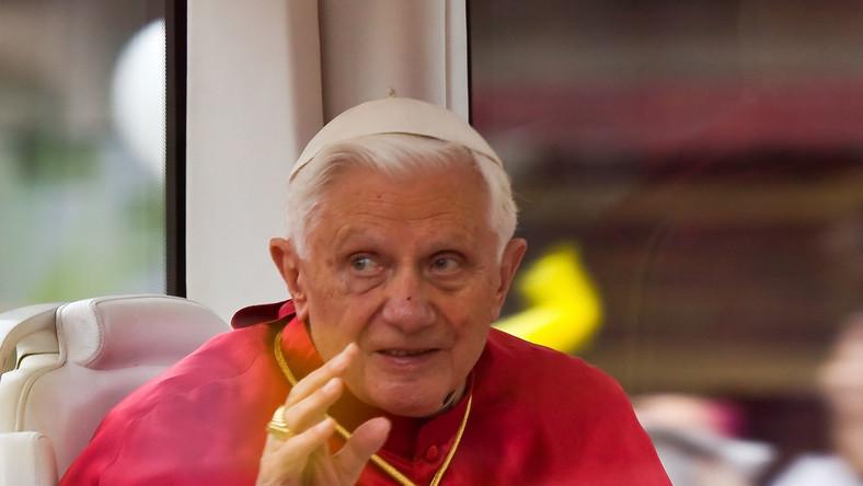 Papież do Polaków: Niech Maryja was osłania w walce ze złem